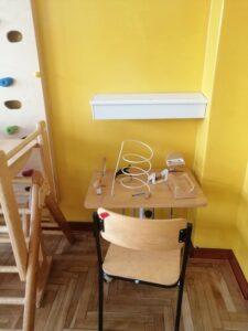 ławka szkolna z krzesełkiem